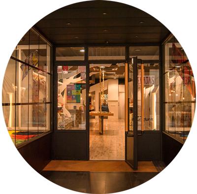 Interior de la tienda de La Casita de Raquel